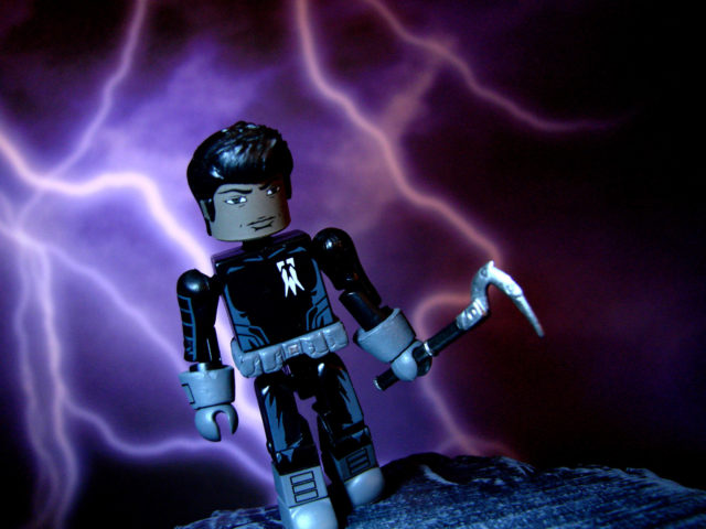 VALIANT_MINIMATES_SHADOWMAN_002